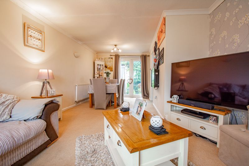 3 bed house for sale in Woodend Close 5