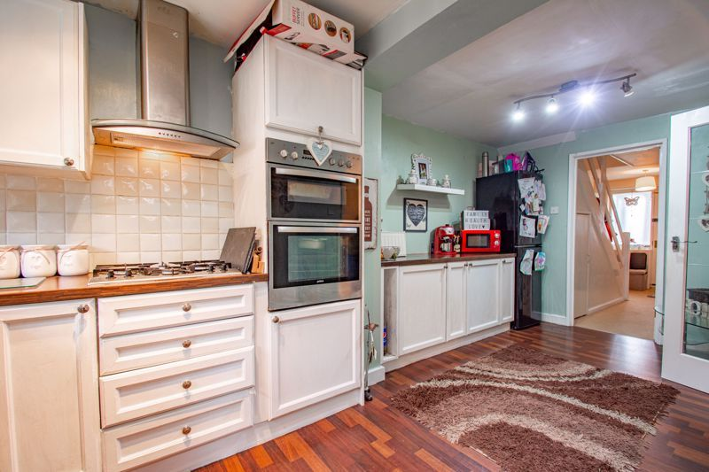 3 bed house for sale in Woodend Close 8