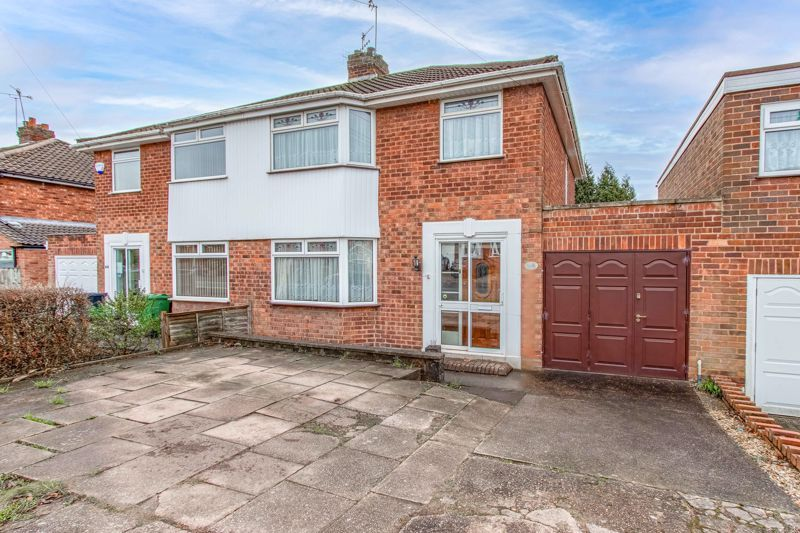 3 bed house for sale in Whittingham Road 1