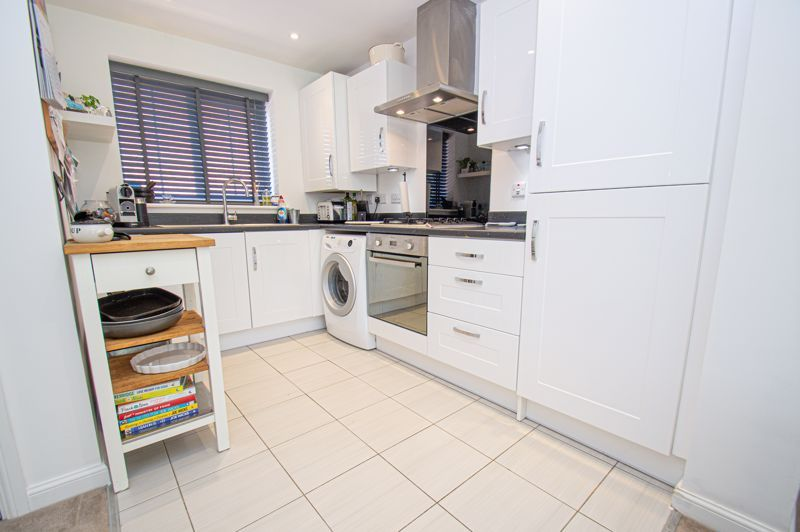 3 bed house for sale in Kingcup Close 4