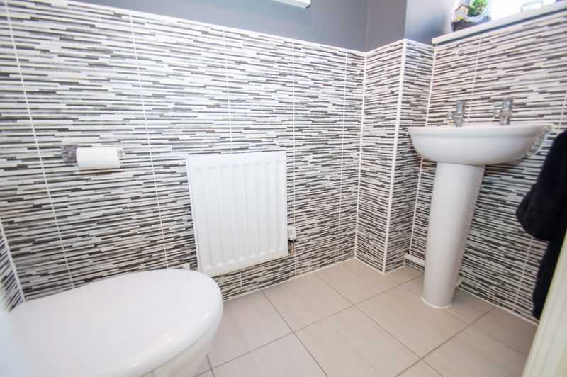 3 bed house for sale in Kingcup Close 5