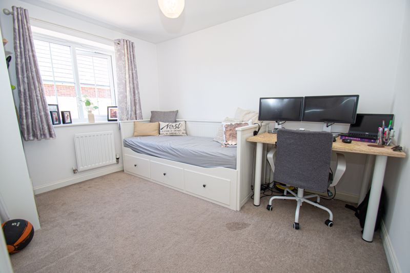 3 bed house for sale in Kingcup Close 6