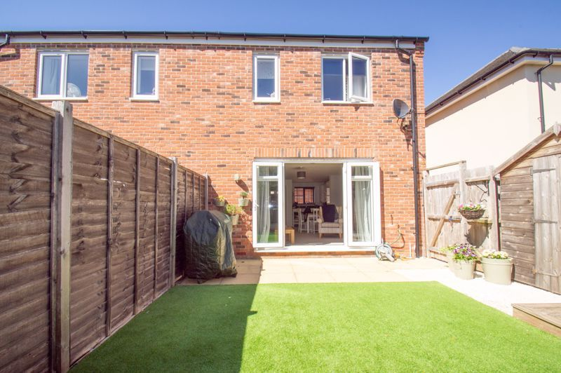3 bed house for sale in Kingcup Close 10