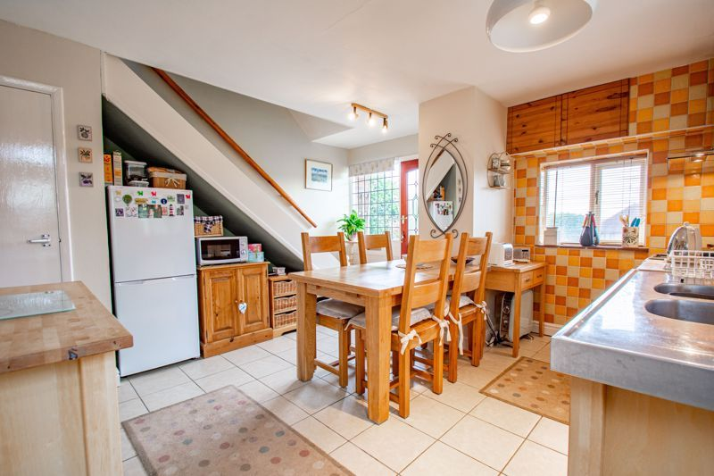 2 bed house for sale in Finstall Road 3