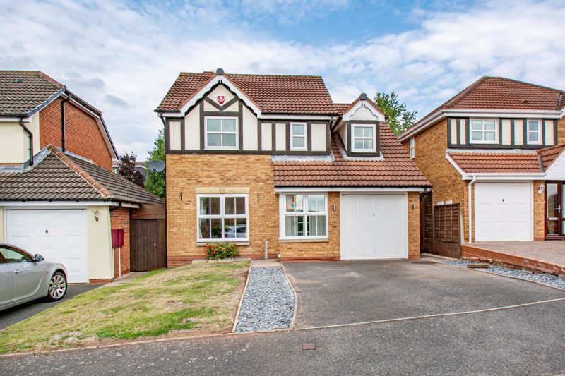 4 bed house for sale in Papworth Drive  - Property Image 1