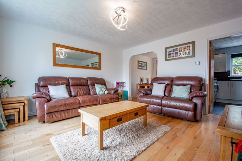 4 bed house for sale in Papworth Drive  - Property Image 2