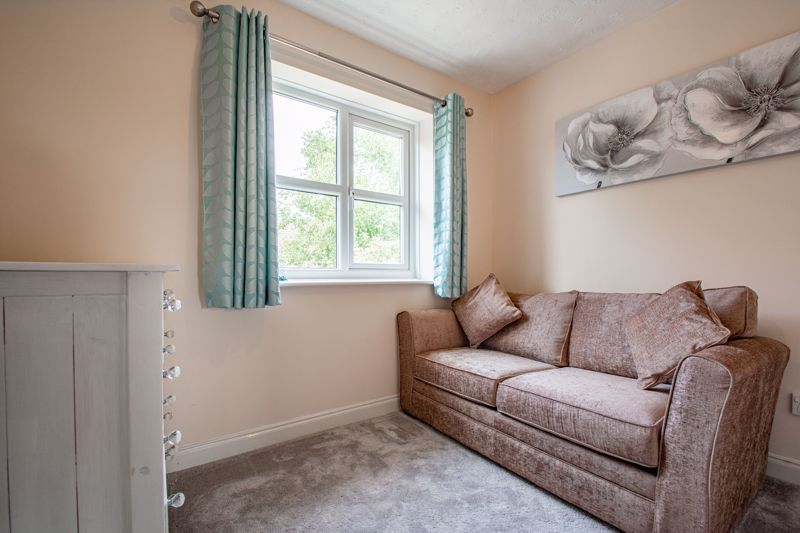 4 bed house for sale in Papworth Drive  - Property Image 11