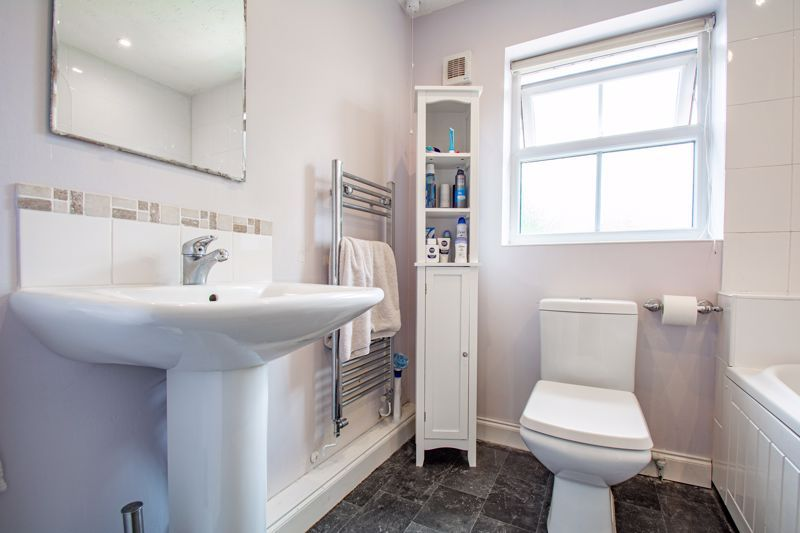 4 bed house for sale in Papworth Drive  - Property Image 12
