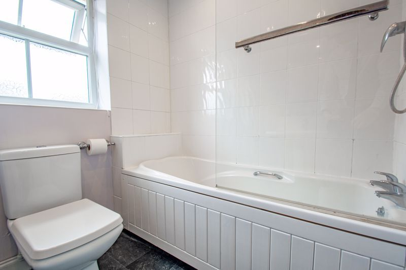 4 bed house for sale in Papworth Drive  - Property Image 16