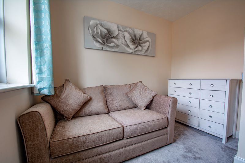 4 bed house for sale in Papworth Drive 17