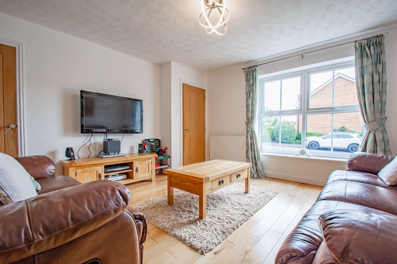 4 bed house for sale in Papworth Drive  - Property Image 18