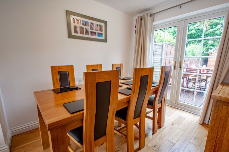 4 bed house for sale in Papworth Drive  - Property Image 3
