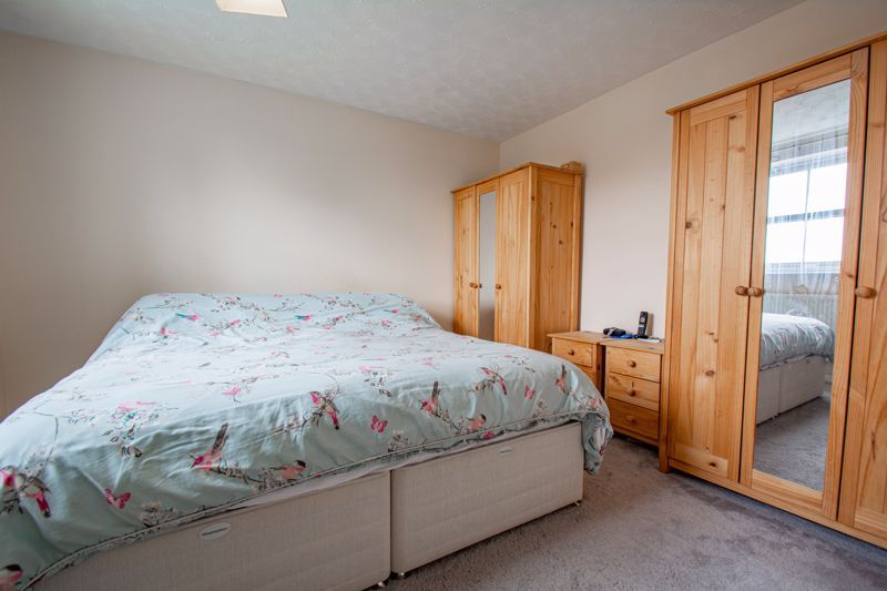 4 bed house for sale in Papworth Drive  - Property Image 7