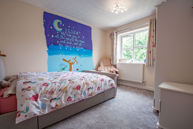 4 bed house for sale in Papworth Drive  - Property Image 9