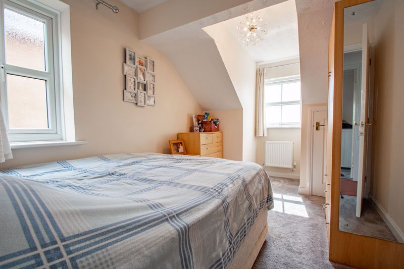 4 bed house for sale in Papworth Drive  - Property Image 10