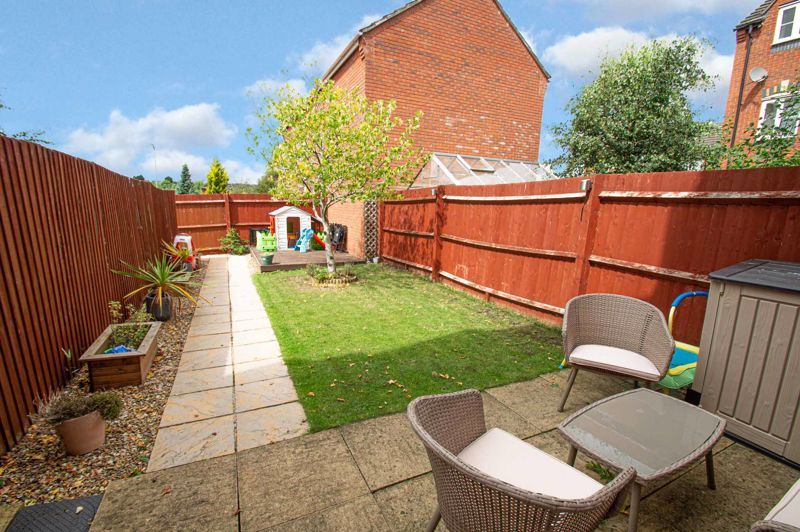3 bed house for sale in Holly Court 13