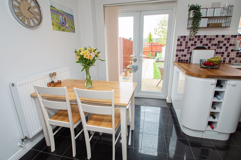 3 bed house for sale in Holly Court 3