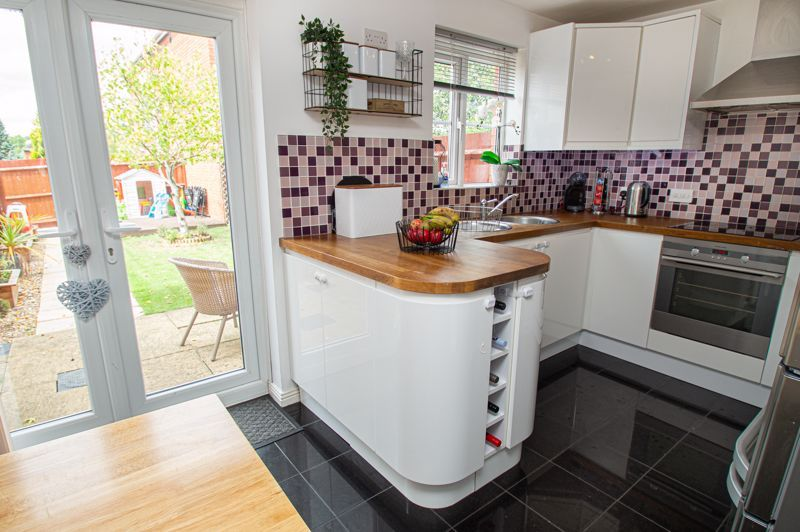 3 bed house for sale in Holly Court 4