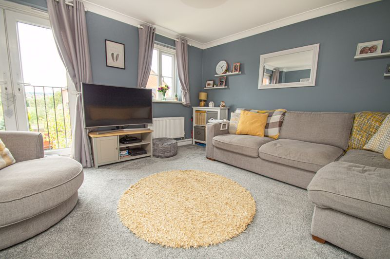 3 bed house for sale in Holly Court 6