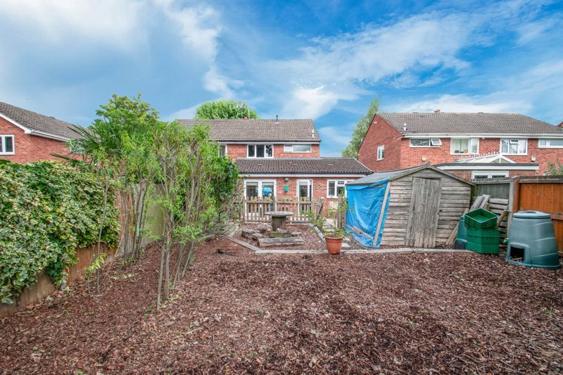 3 bed house for sale in Barford Close 13