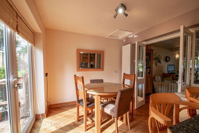 3 bed house for sale in Barford Close 5
