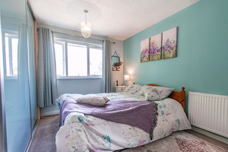 3 bed house for sale in Barford Close 9