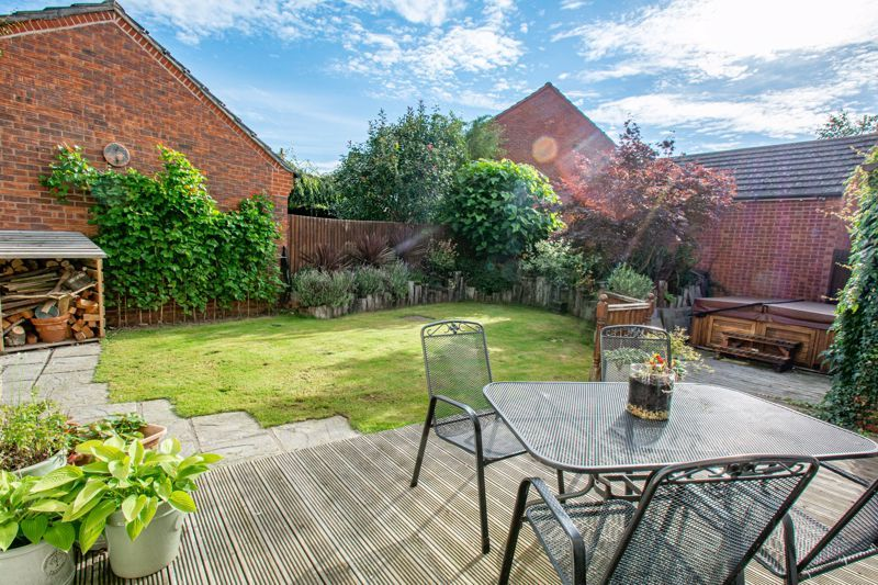 4 bed house for sale in Penshurst Road 14
