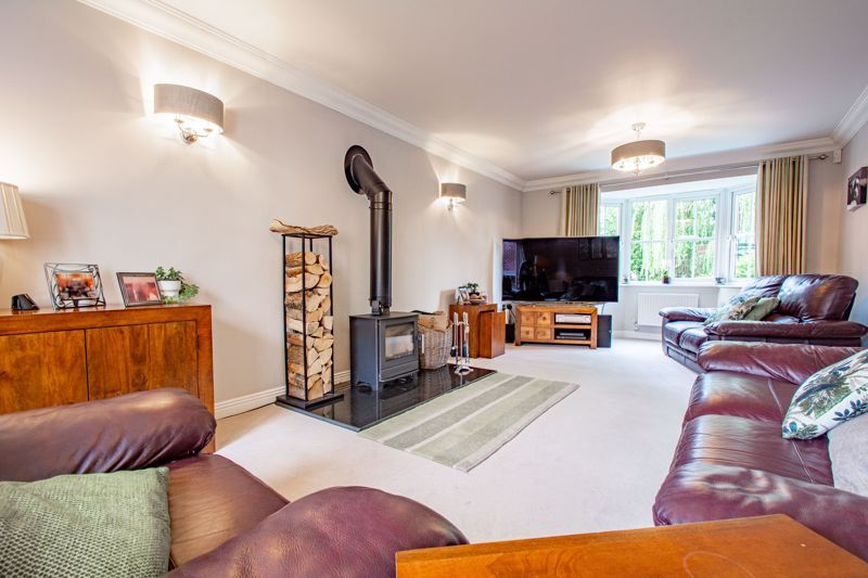 4 bed house for sale in Penshurst Road  - Property Image 5