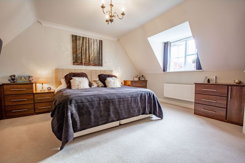 4 bed house for sale in Penshurst Road 7