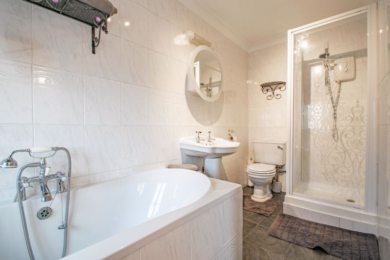 5 bed house for sale in County Park Avenue 11