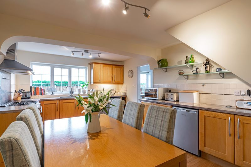 5 bed house for sale in County Park Avenue  - Property Image 4