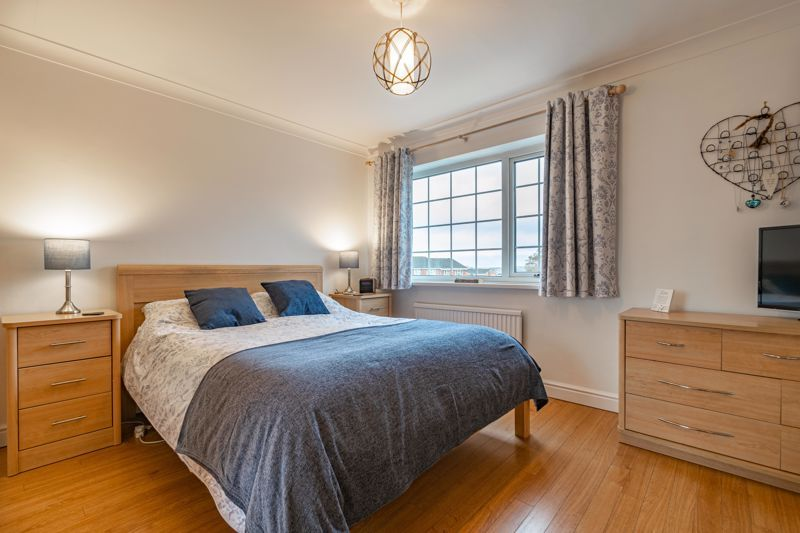 5 bed house for sale in County Park Avenue 9