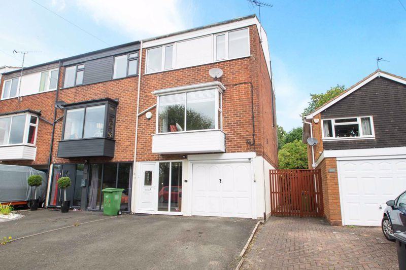 4 bed house for sale in Blakedown Road  - Property Image 3