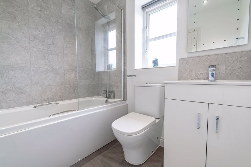 6 bed house for sale in Penshurst Road 11