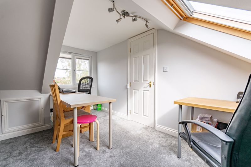 6 bed house for sale in Penshurst Road 12