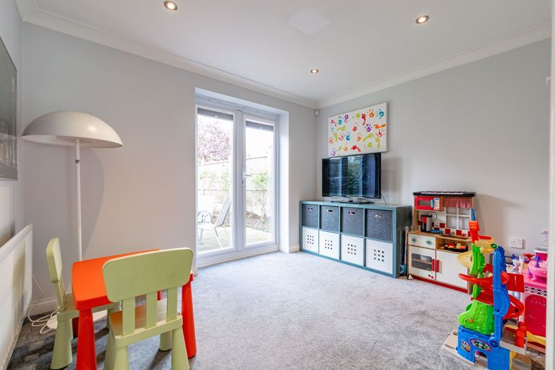 6 bed house for sale in Penshurst Road  - Property Image 4