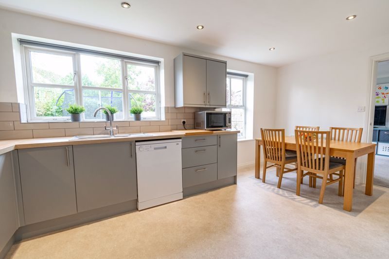 6 bed house for sale in Penshurst Road 5
