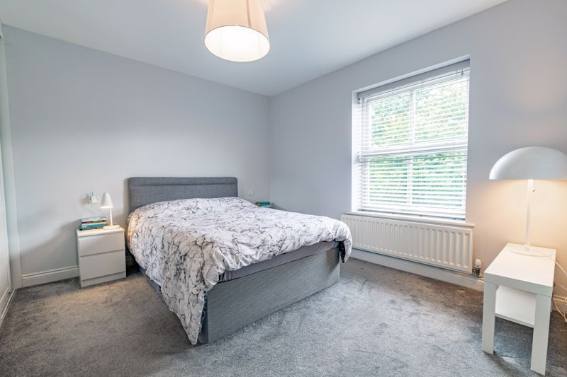 6 bed house for sale in Penshurst Road 7