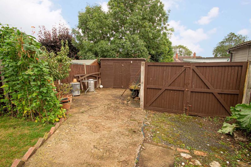 3 bed house for sale in Shenstone Avenue 15