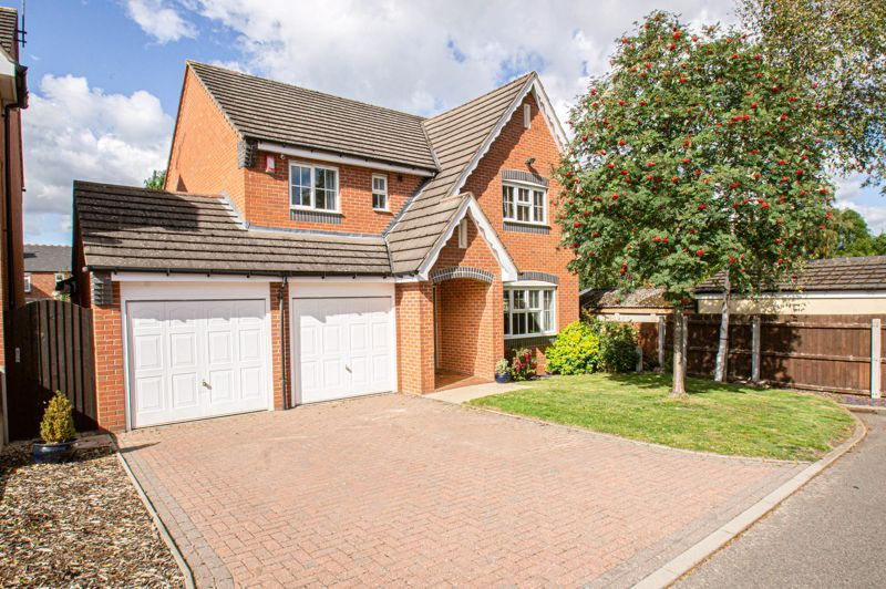 4 bed house for sale in Belfry Drive - Property Image 1