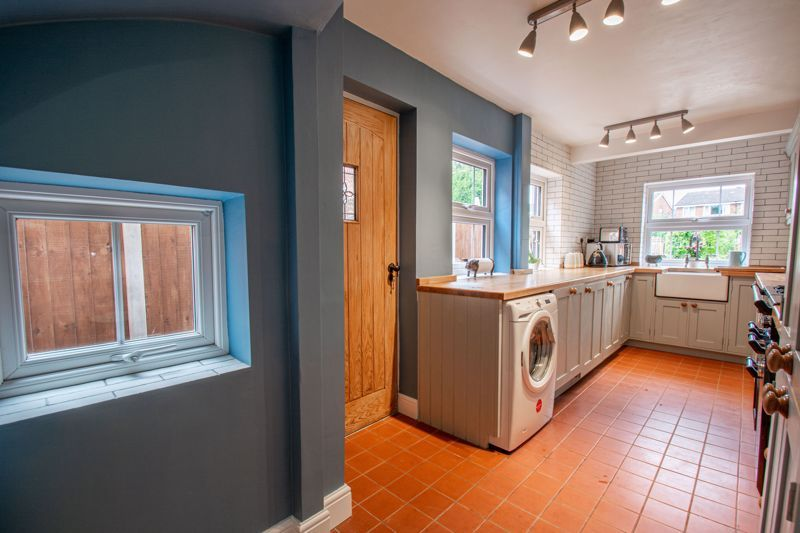 2 bed house for sale in Highfield Road 17