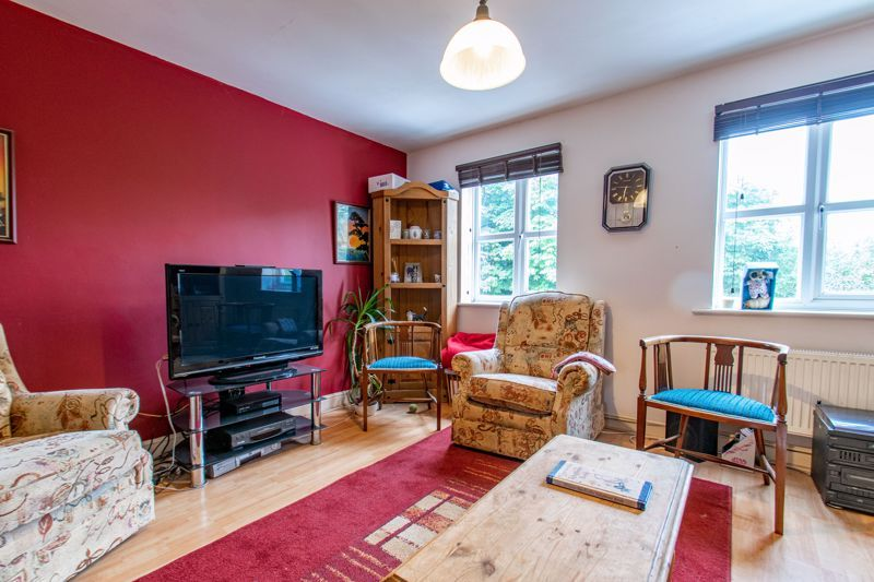 3 bed house for sale in Honeychurch Close 4