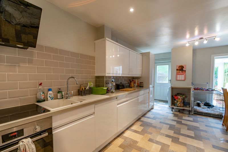 3 bed house for sale in Honeychurch Close 5
