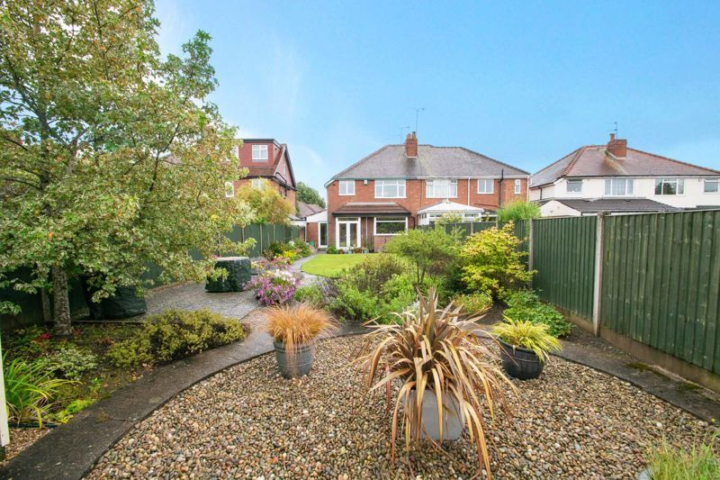 3 bed house for sale in Royal Oak Road 13