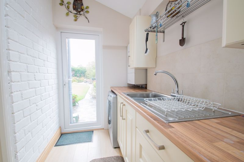 3 bed house for sale in Royal Oak Road 6