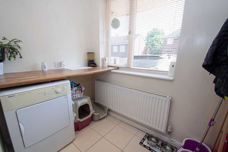 4 bed house for sale in Oak Street  - Property Image 11
