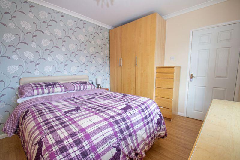 4 bed house for sale in Oak Street 12