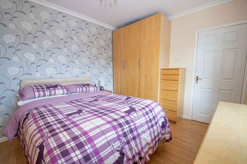 4 bed house for sale in Oak Street  - Property Image 12
