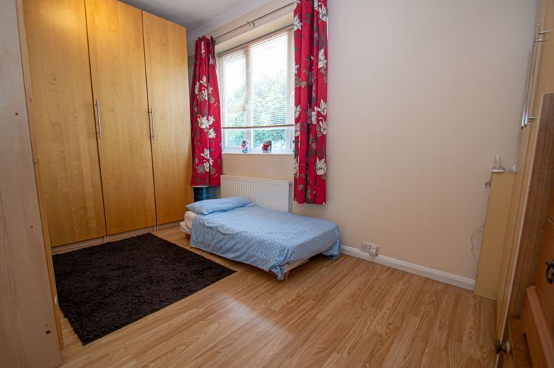 4 bed house for sale in Oak Street  - Property Image 14