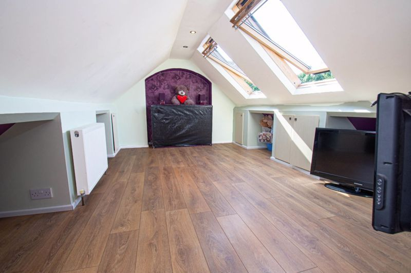 4 bed house for sale in Oak Street  - Property Image 18
